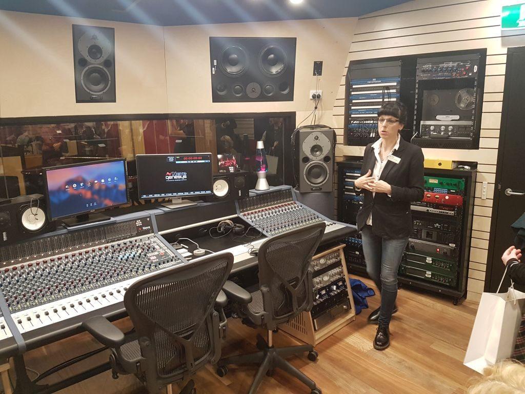 Assoc Prof Dr Samantha Bennett - ANU School of Music